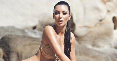 Wow! Kardashian Pakai Baju Transparan Tanpa Memakai Bra.