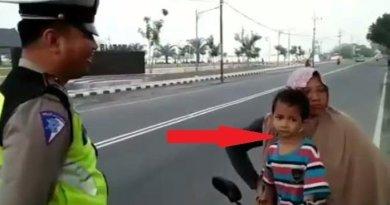 Marah Tidak Mau Ditilang Polisi, Ibu Ini Dipukul Anaknya Sendiri