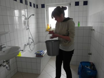 Das große Bad - als einziger Raum schon mit Wasseranschluss.