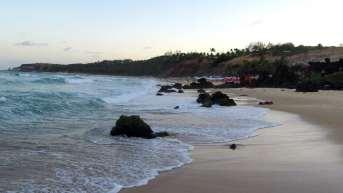 A apaixonante Praia dos Amores. A poucos metros da Praia da Pipa, porém muito menos movimentada
