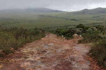 Mais estradas esburacadas pela frente
