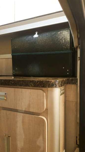 Fizemos um suporte para transportar o nosso fogão na vertical e, desta forma, sobrar mais espaço na pia