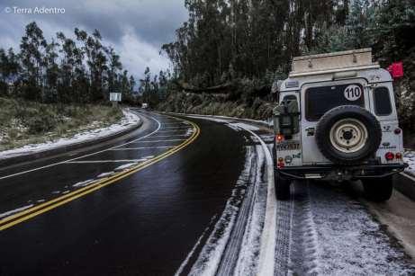 Uma rápida nevasca no surpreendeu pelo caminho