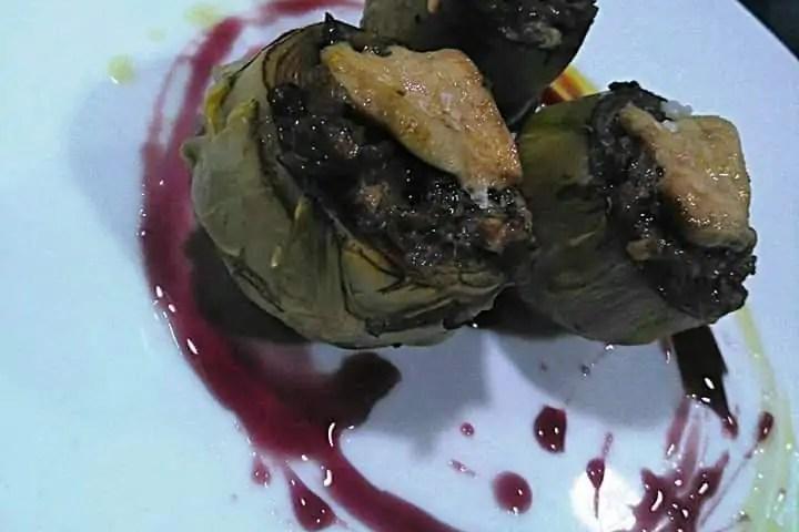 Receta de alcachofas rellenas de setas y foie