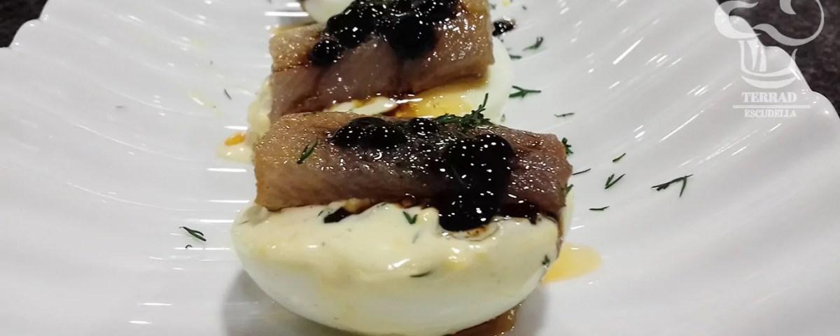 Huevos rellenos de sardinas