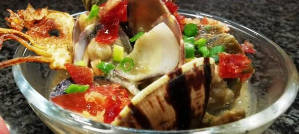 Receta de alcachofas con almejas y vinagreta de pan