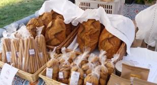 Biscotti e pane al mercato
