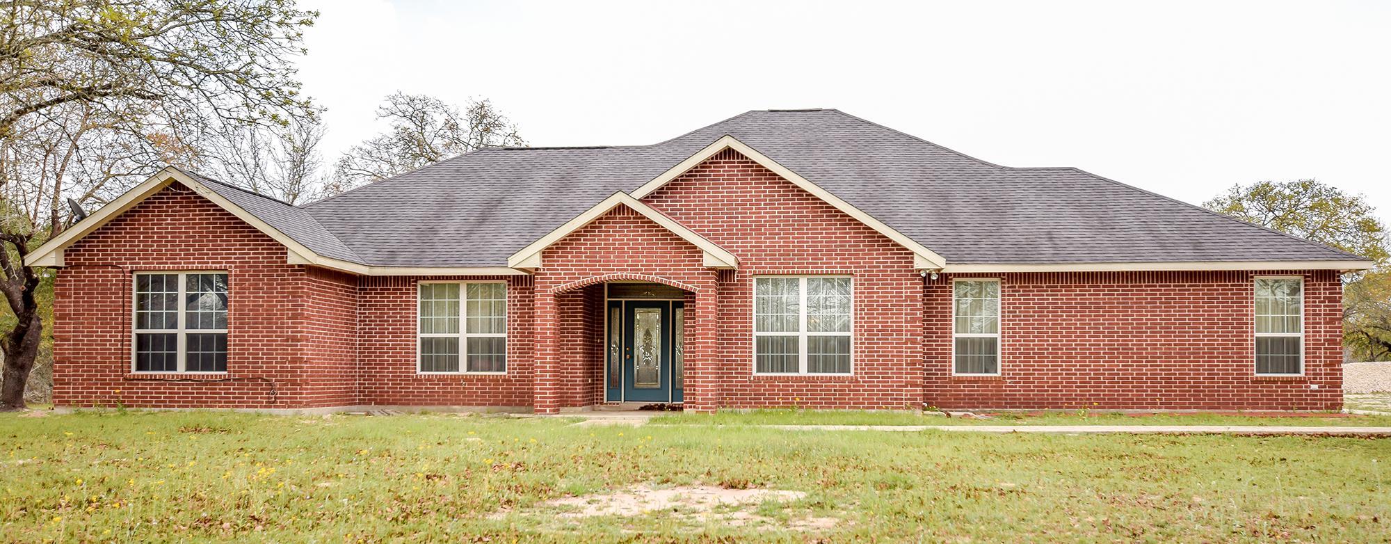 Image for 412 Cimarron Dr, Floresville, TX 78114