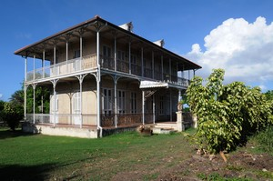 Maison zevallos au moule - Maison coloniale en bois ...