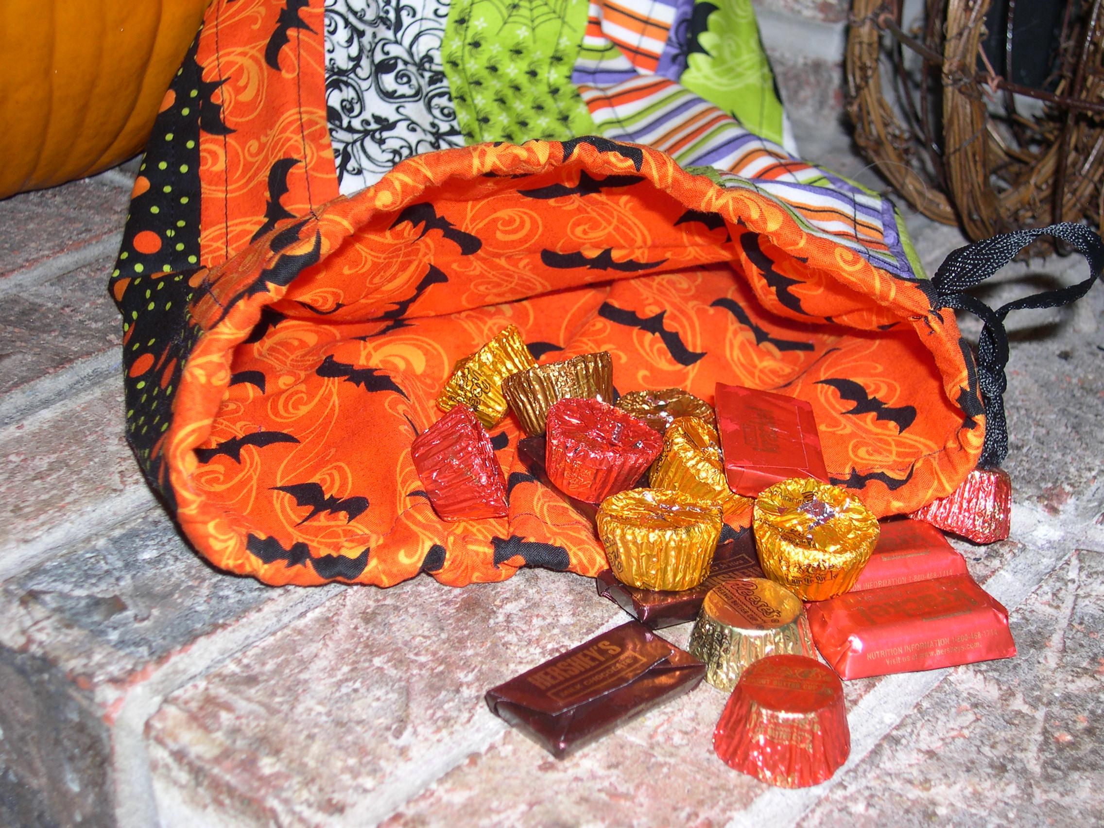 orange lined treat sack