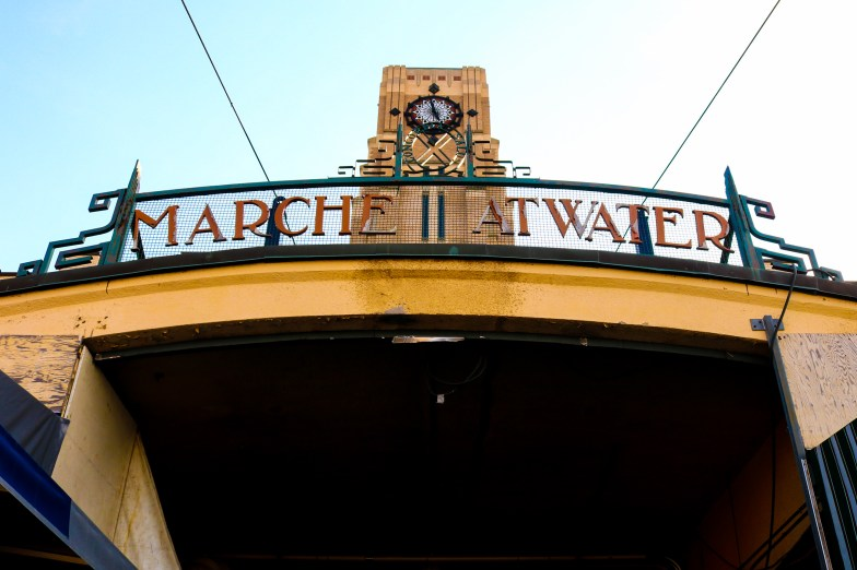 Marché At Water