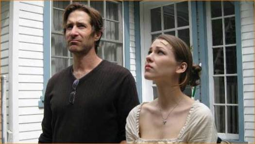 """Howard (Richard Gunn) and Charlotte (Abigail Mittel) move into a mystery in """"Fugue""""."""