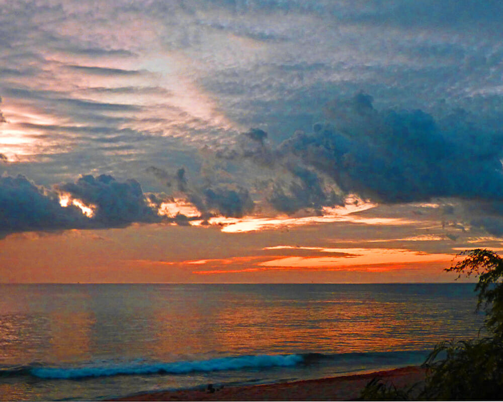 Hawaii sunset at Tracks Beach
