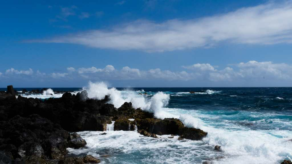 Crashing waves at  Laupahoehoe on the Big Island