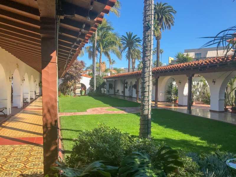 Casa Romantica courtyard