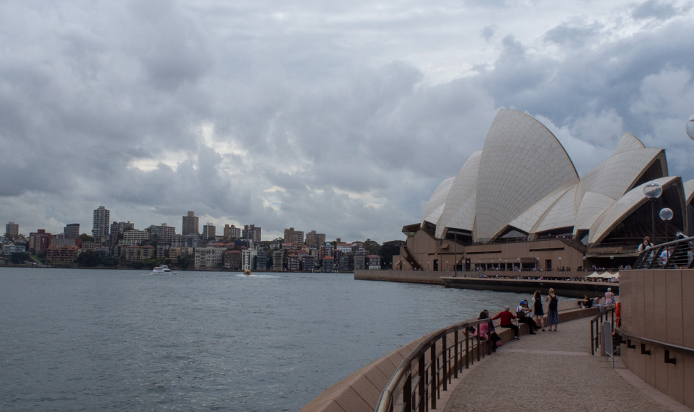 Very few straight lines leading to or in the opera house