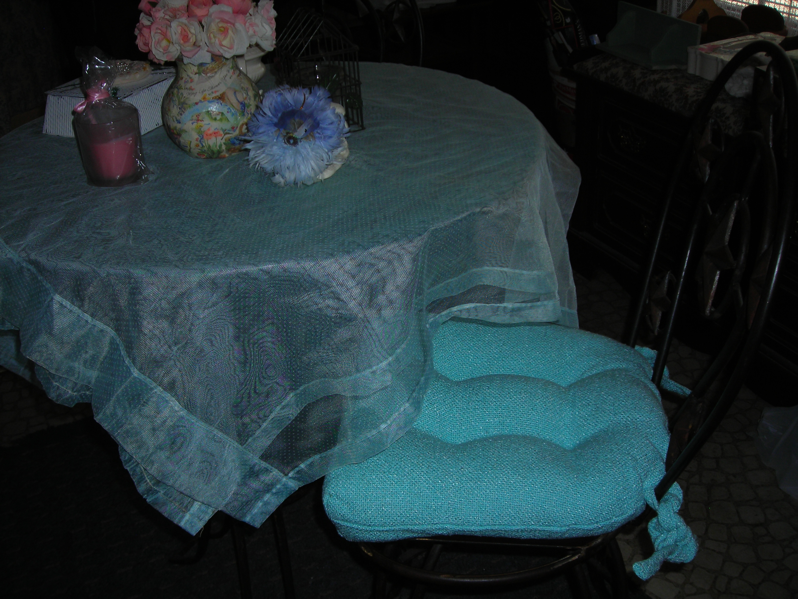 My new chair cushions for the breakfast nook ... I absolutely LOVE that color, right after PINK! Great retro color, huh?