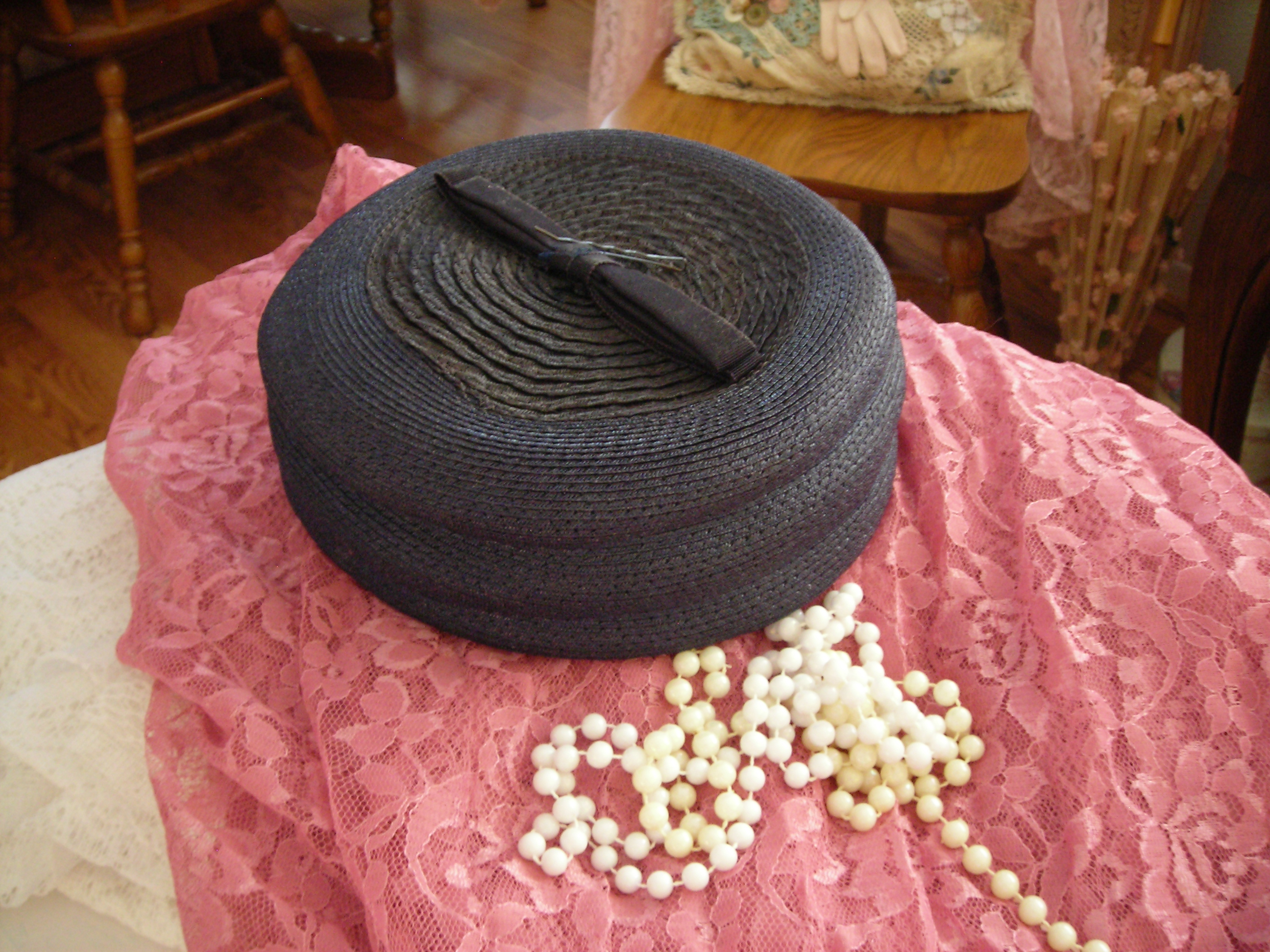 Navy pillbox hat (wonder what little old lady used to wear it??)