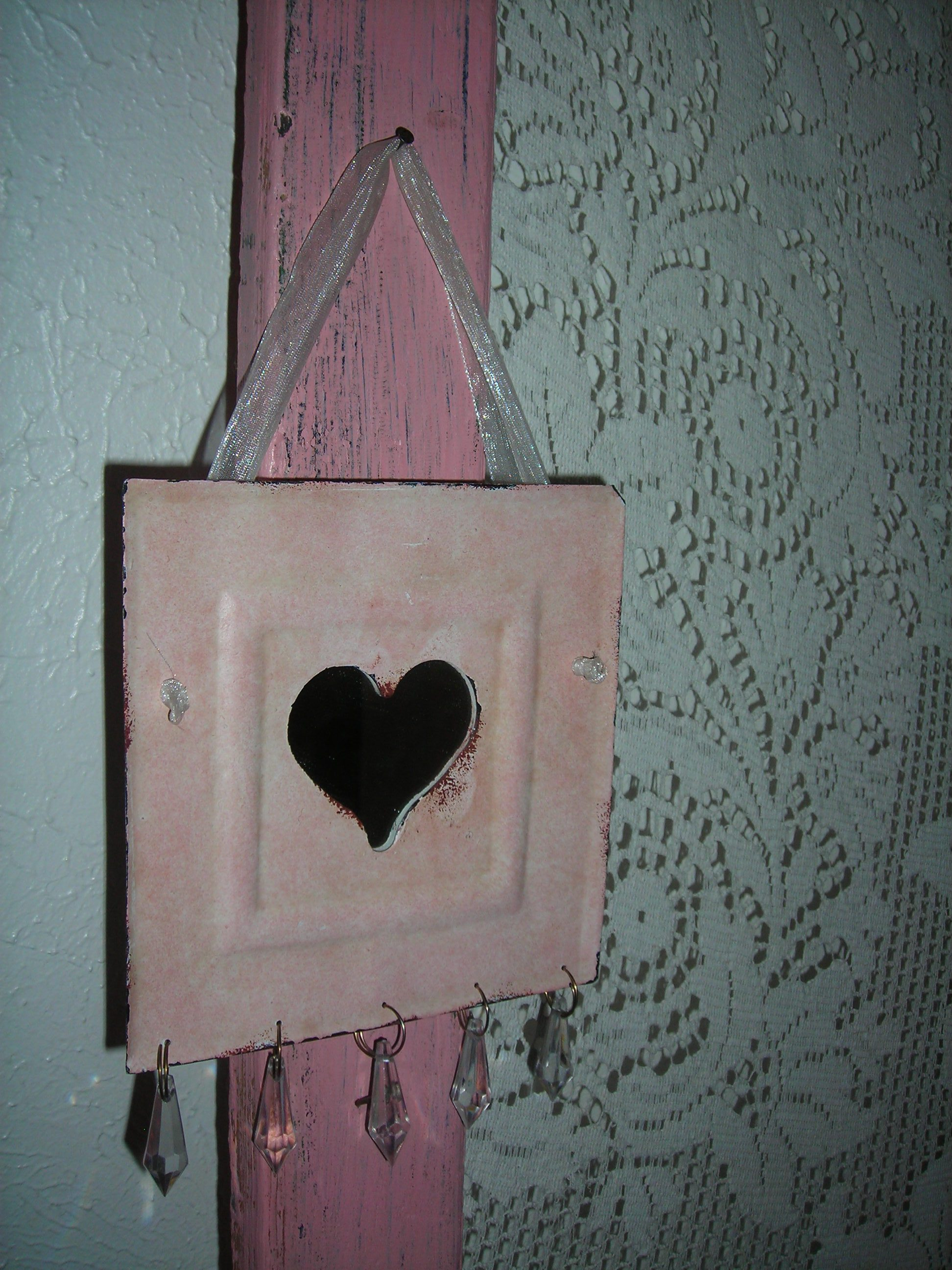 sweet little pink tin piece with heart mirror and dangly bling