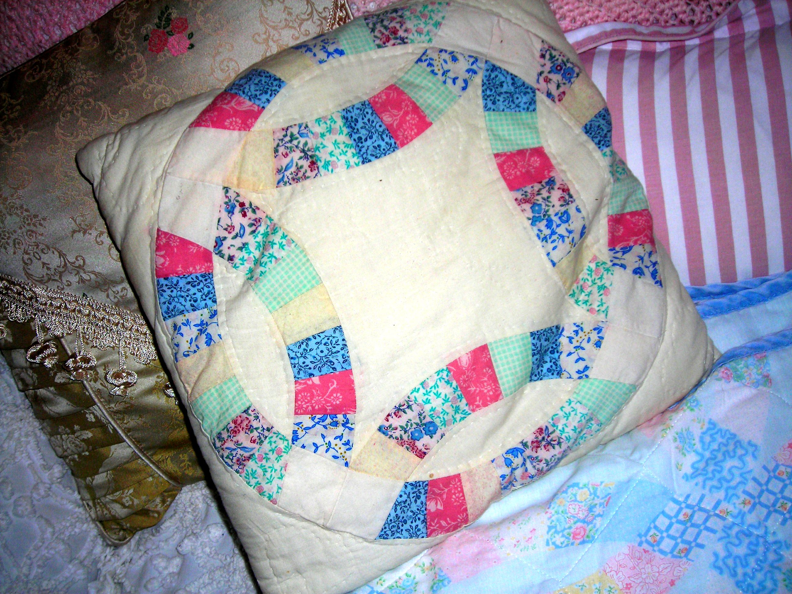 great vintage pillow (thanks, bonnie!)