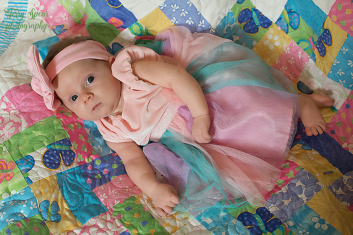 baby in fairy outfit1 900 034