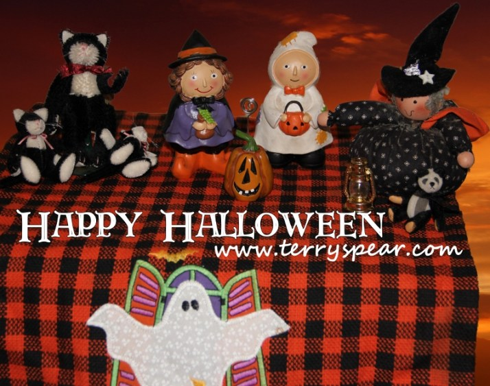 Halloween figures and red sky1 copy (800x631)