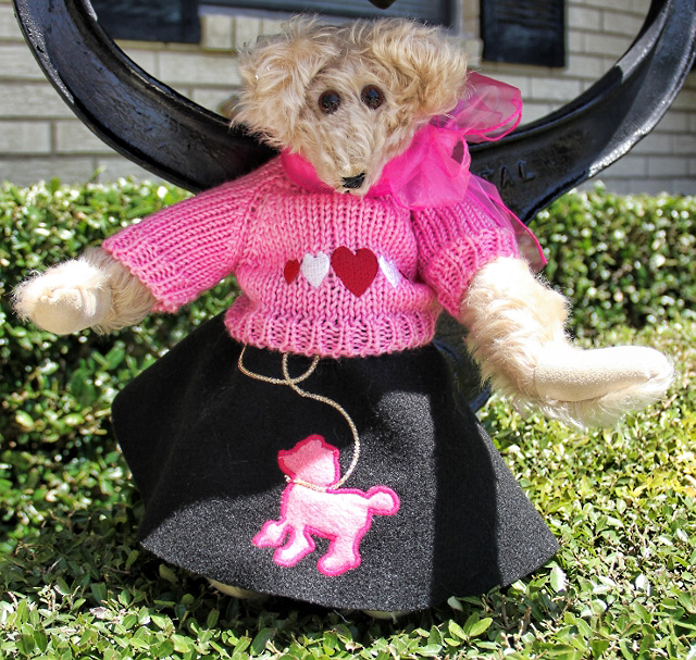 Suzie, Too, Poodle Skirt Bear dressed for the 50s