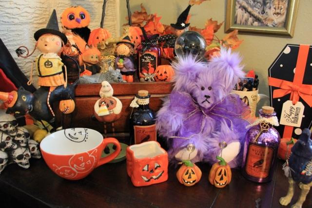 Amethyst Bear Ready for Halloween!