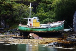 Old boat, tide out (640x427)