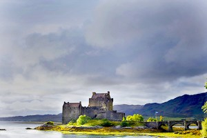 clouds Eilean Donan darkening, lightening 600x400