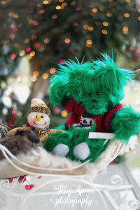 green-bear-red-snowman-sweater-900-007