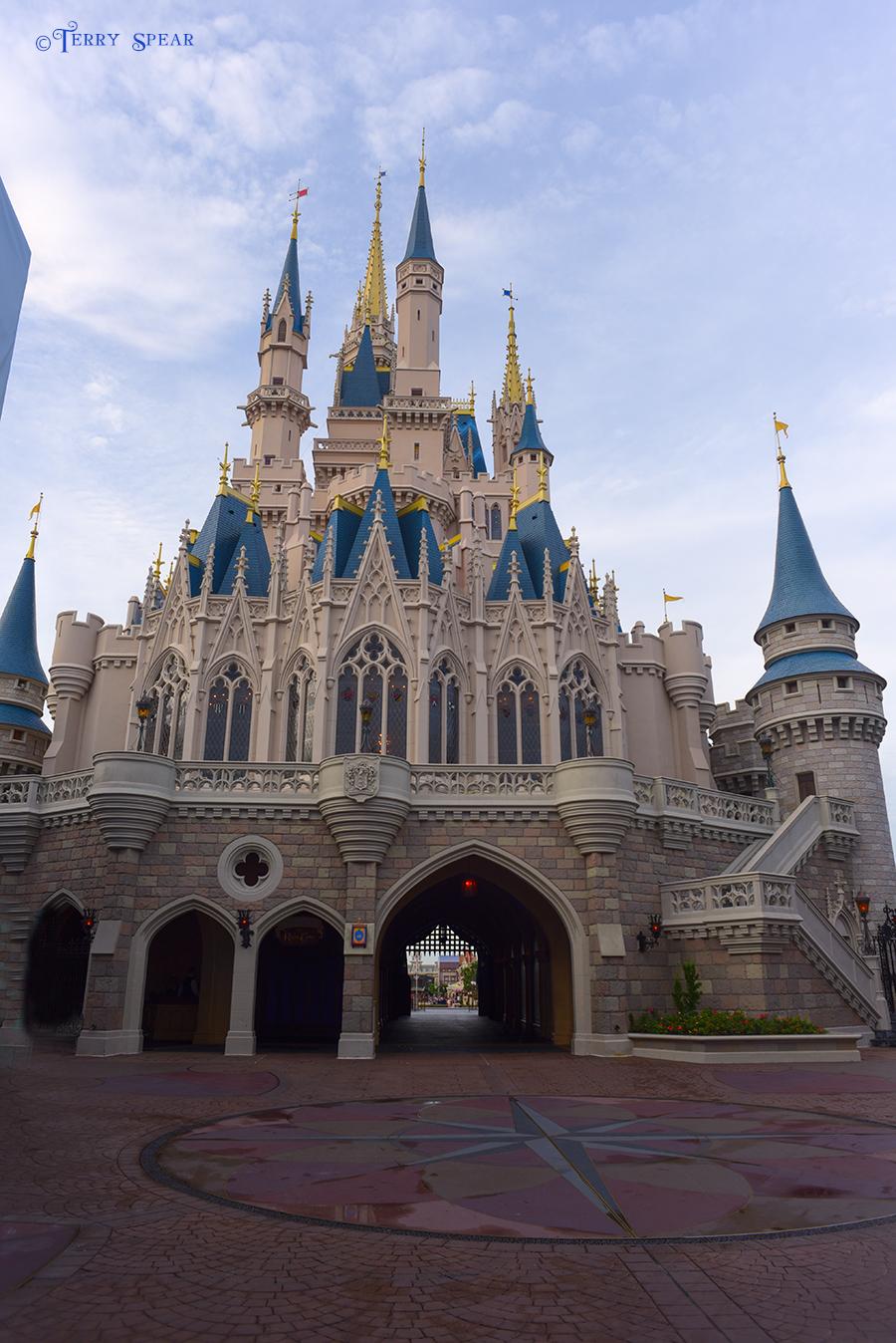 Cinderella Castle no people 900 Orlando Disney RWA 2017 1212