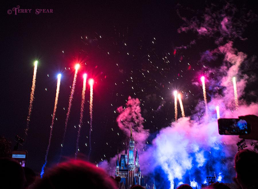 fireworks magic kingdom cinderella's castle, 900 Orlando Disney RWA 2017 1636