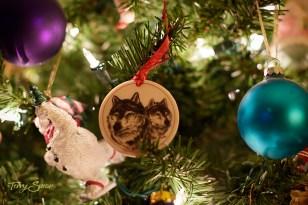wolf ornament tile 1000