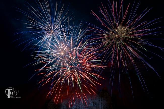 wpid14646-Fireworks2015_sm.jpg