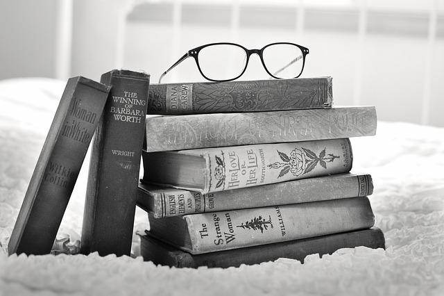 書評記事を書くには本をたくさん読むに限る