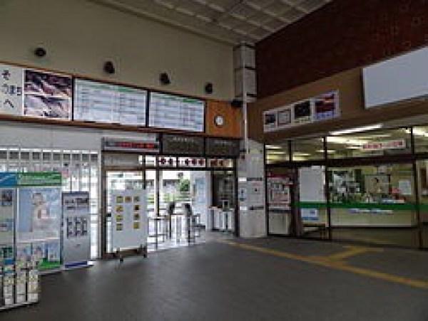 二本松駅改札付近も寂しい