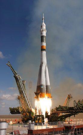 rocket-launch-67720_640