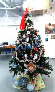 博物クリスマスツリー2015_天文クラフト