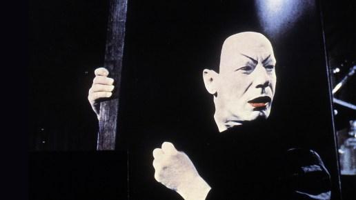 Gustaf Gründgens como Mephisto (Mefistófeles), em Faust (1960).