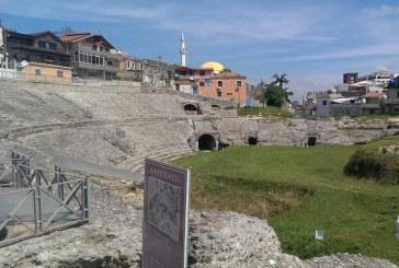Je në Durrës? Shko vizito amfiteatrin e fshehur mes kaosit urban!
