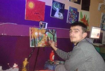 Drini Sallaku, i riu që sfidon autizmin me penel: si i përfunduan pikturat në Nju Jork