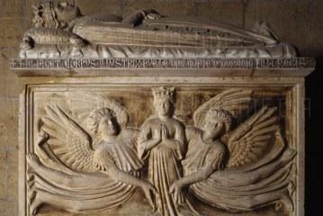 """Zbulohet varri monumental i Maries së Durrësit në kishën """"Santa Chiara"""" në Napoli"""