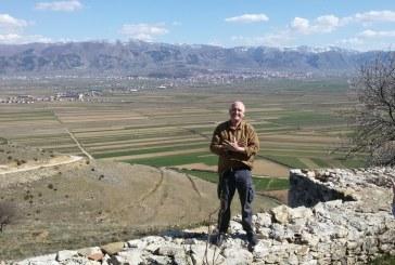 Ndërron jetë Robert Elsie, albanologu kanadez që publikoi 60 vepra për letërsinë shqipe
