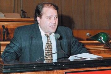 Debati i fundit në parlament pak para vrasjes: kur Azem Hajdari replikonte me Pandi Majkon për '97-ën