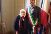 Ismetja realizon ëndrrën, merr në moshën 85-vjeçare pasaportën italiane