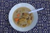 Në vend të një vakti të rëndë: supë me banane, tradita e menusë së Ramazanit në Indonezi