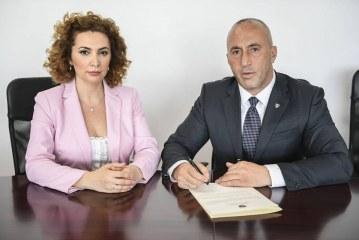 Nga ministre Pacollëve, në këshilltare të Haradinajt: cili do jetë fati politik i Albena Reshitajt?