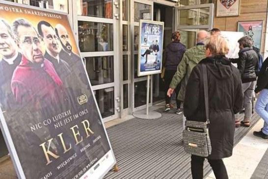 """Poloni: rekord shikueshmërie të një filmi kundër Kishës, më shumë se """"50 hijet e Greit"""""""