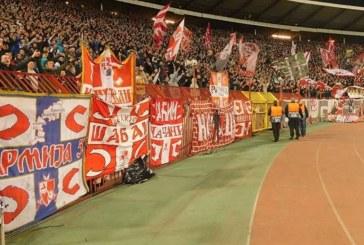 Serbët, skenografi çetnike në përballjen me Liverpool (video)